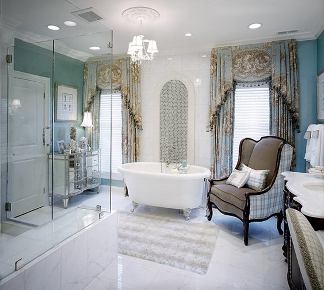 Why the Guest Room Needs a Private Bathroom?